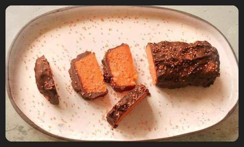 Gâteau aux biscuits roses de Reims et au chocolat