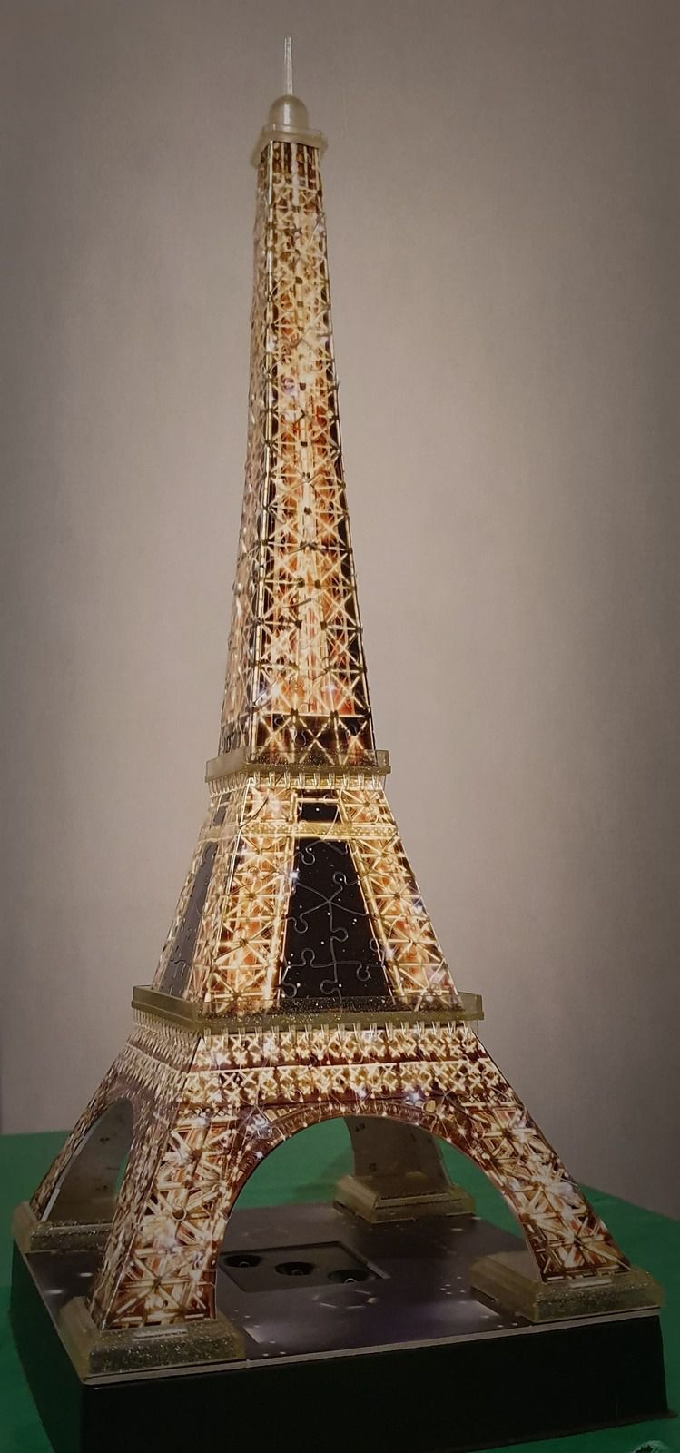 On voulait voir Paris, on a vu la Tour Eiffel avec Ravensburger