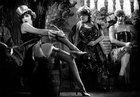 Texte Gaëtan Deschamps - Photo du film l'Ange de Bleu Josef Von Steinberg avec Marlene Dietrisch