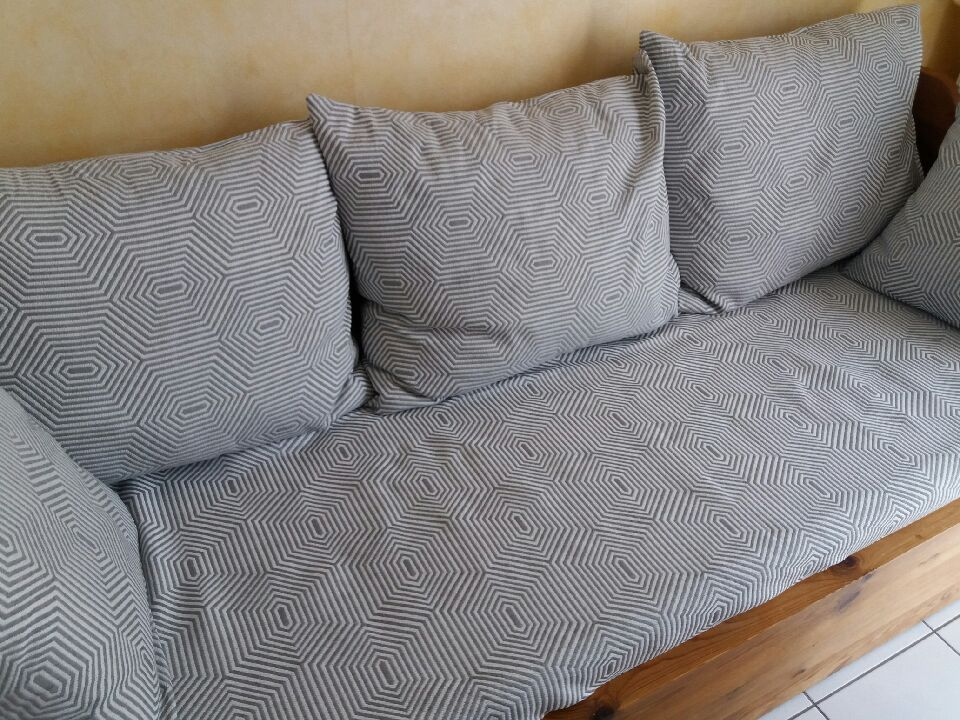 un canapé tout neuf