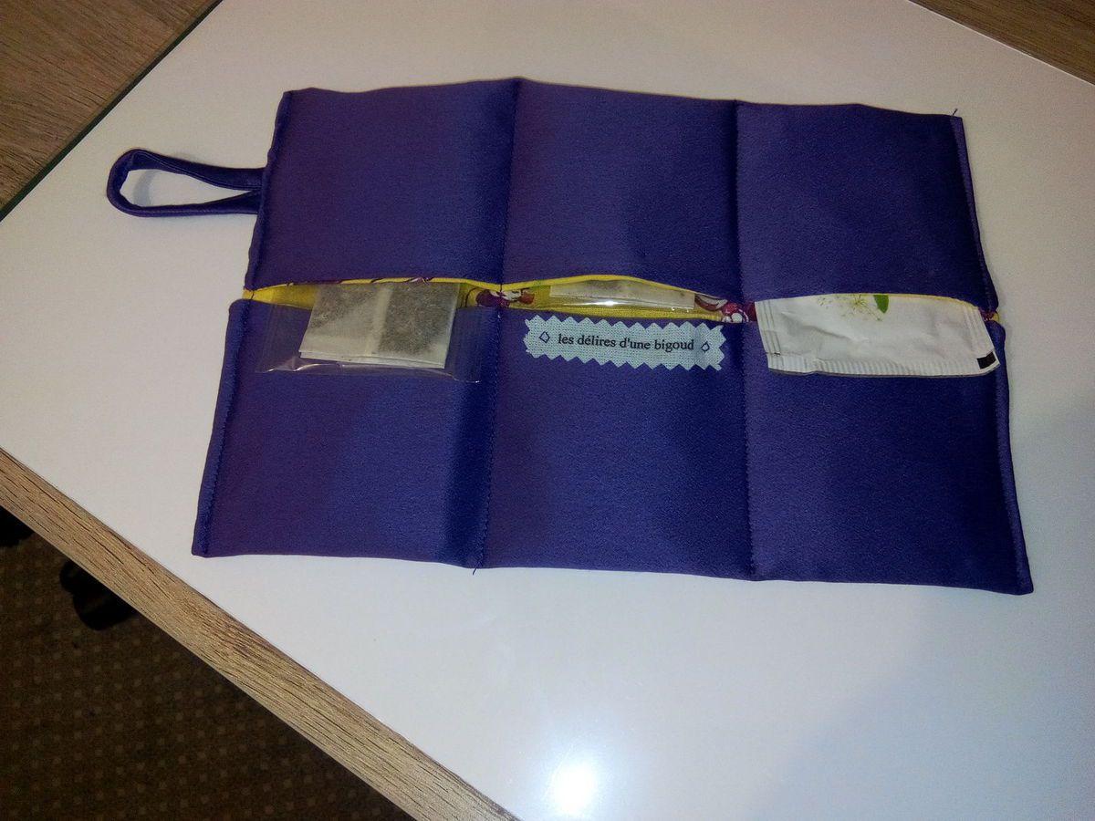 une pochette à thé commandée par ma fille pour son amie