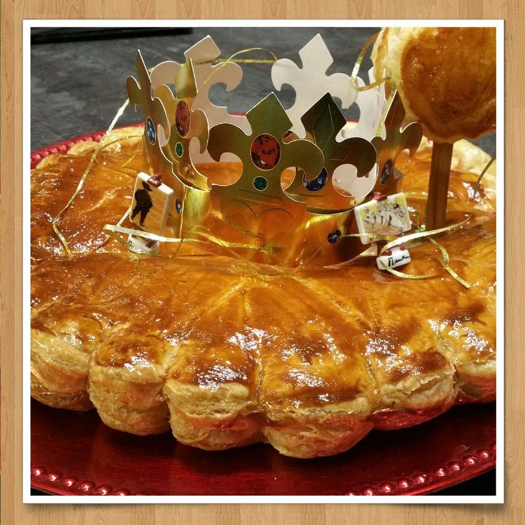 Galette des Rois à la frangipane, crème d'amandes, pistache, cerises noires ...