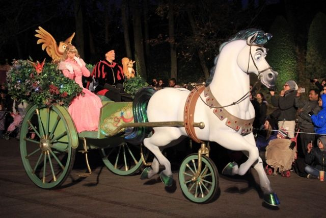 Parade Noel by night début 2016