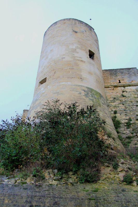 Fortifications du chateau de Caen