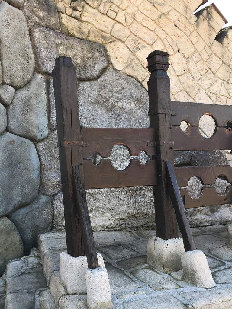 Parc Astérix, château moyenâgeux