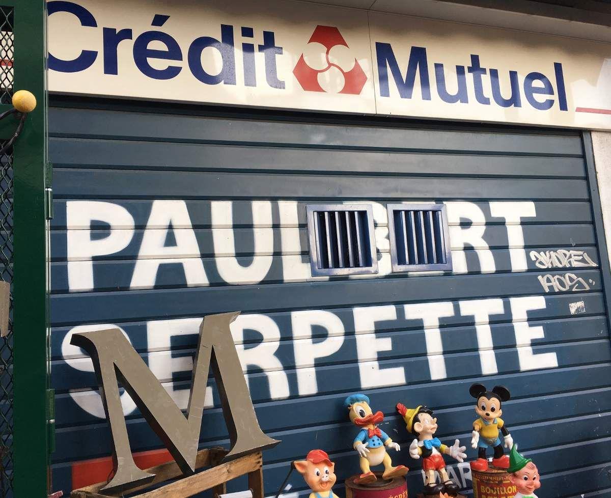 Marché Paul Bert, puces de Saint Ouen