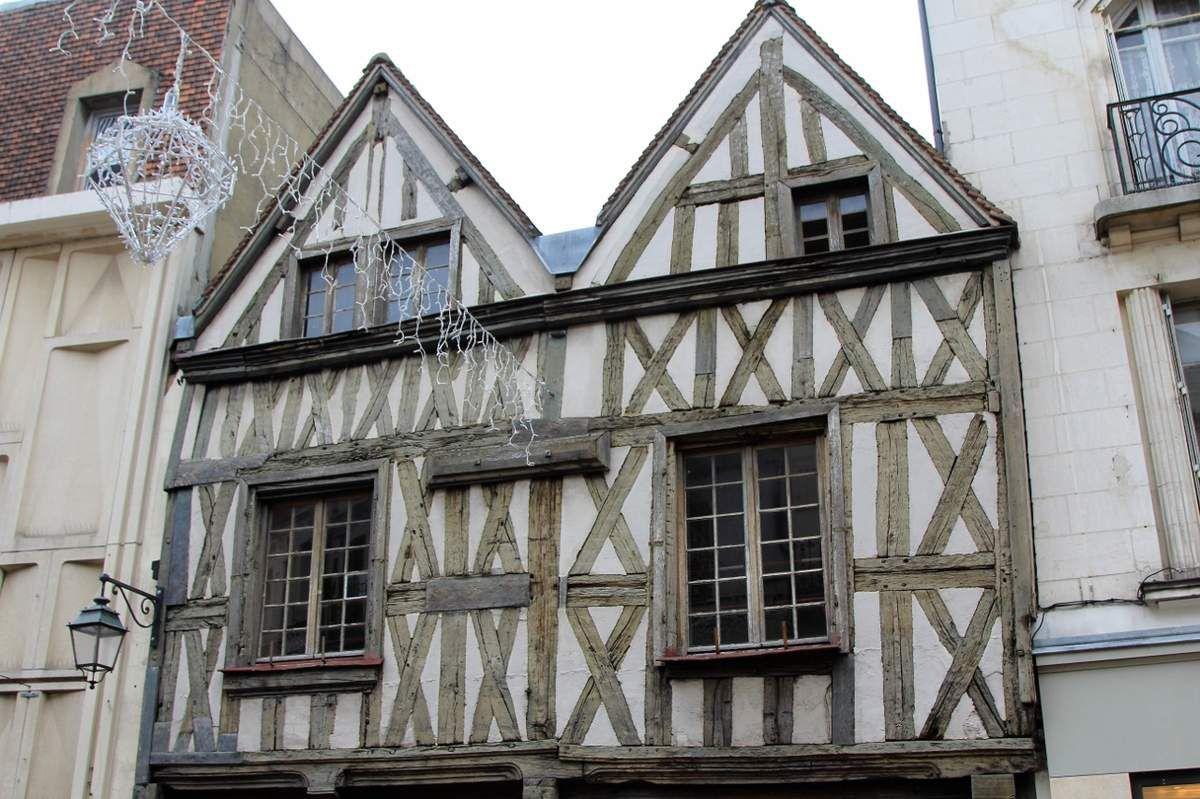 Les maisons moyenageuses d'Auxerre
