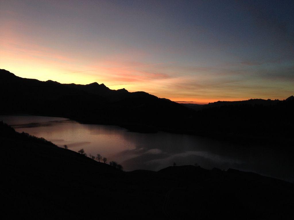 Coucher soleil lac de Roselend