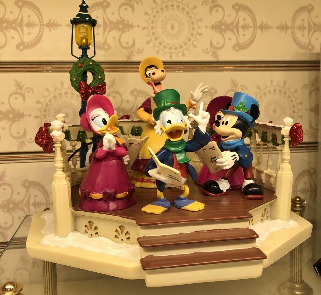 Les figurines Disney à Disneyland