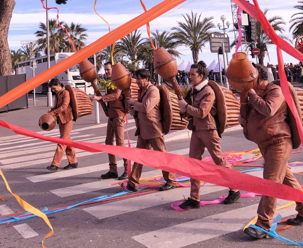 Carnaval de Nice : Miss et danseuses