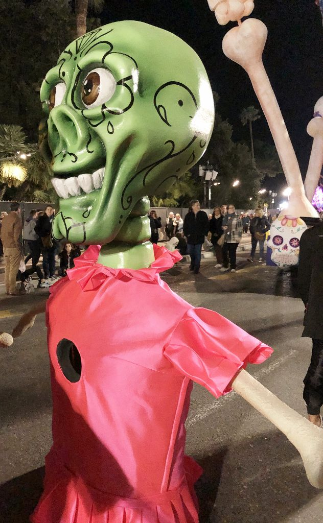 Corso carnavalesque taille mannequin Nice