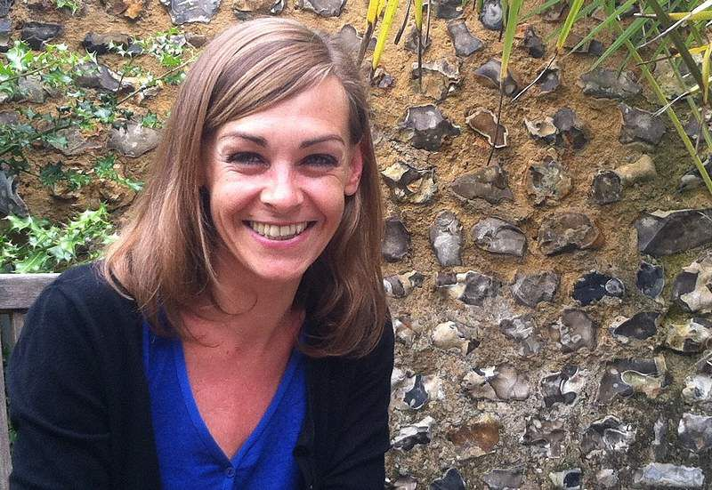 Entre mes mains, le bonheur se faufile - d'Agnès MARTIN LUGAND