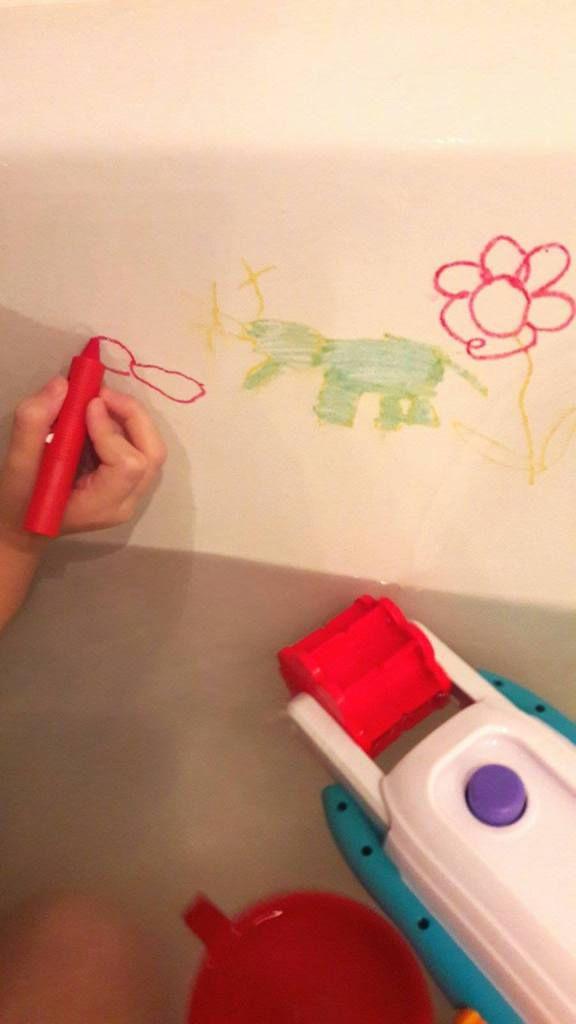 Crayons pour le Bain Munchkin : essai des loustics