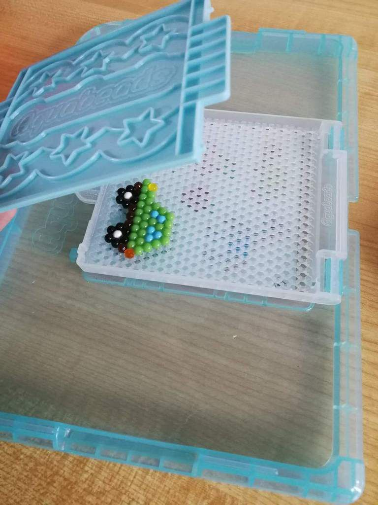 FLIP TRAY Aquabeads