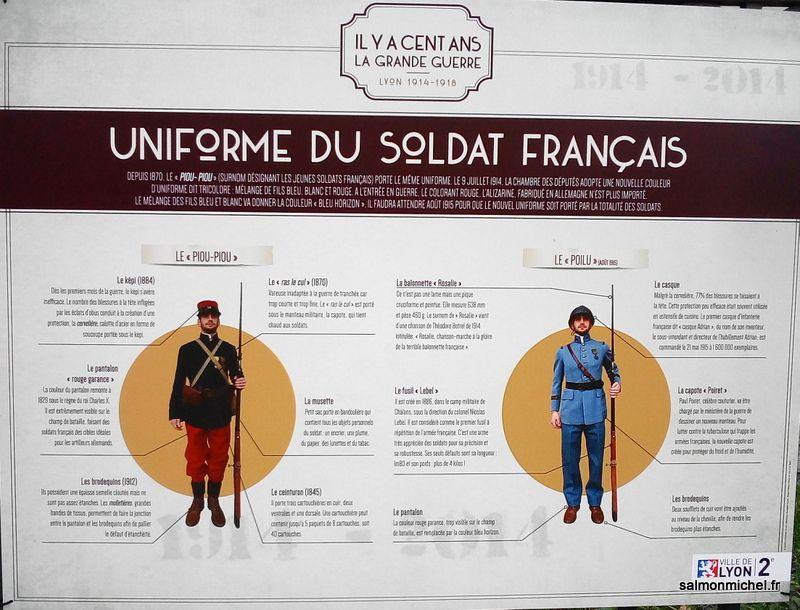 Affiches exposées sur la grille de la mairie, 2 Rue d'Enghien 69002
