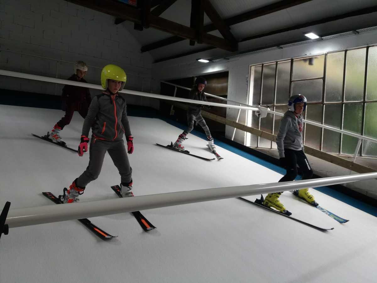 Merci à tous les parents pour votre aide pour cette première sortie sur ski tapis.
