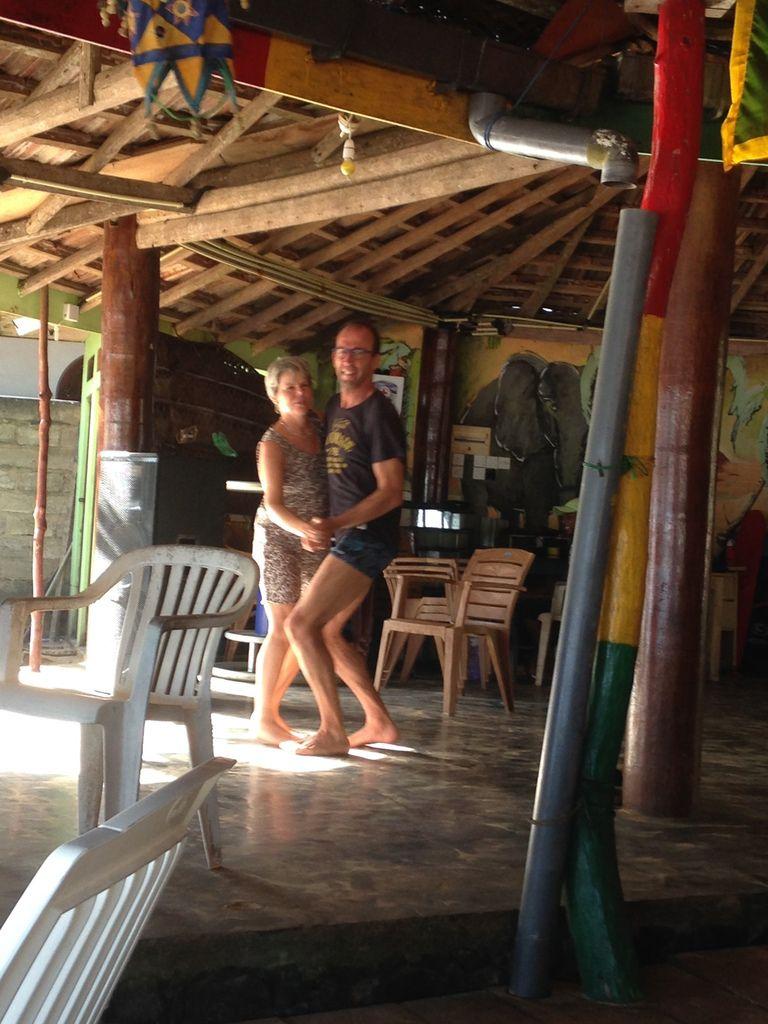 Ambiance Reggae, cool au restaurant BAY MOON sur la plage