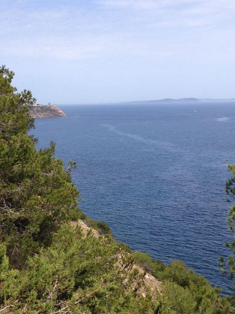 A Cap Soleil, Saint-Mandrier, chez Anne-Armelle, sous un décor enchanteur au bord de la mer, on était bien !