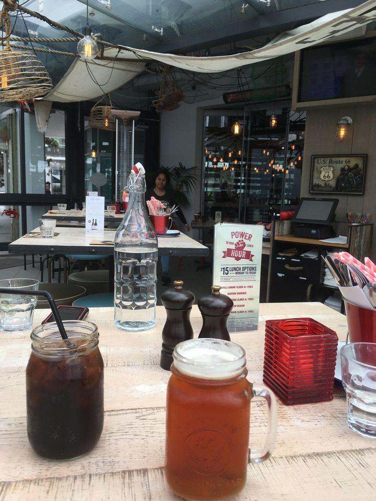 HAMBURGER AU CRABE, HAMBURGER AU POULET (maison, au restaurant) C'est mieux que Mac Do !