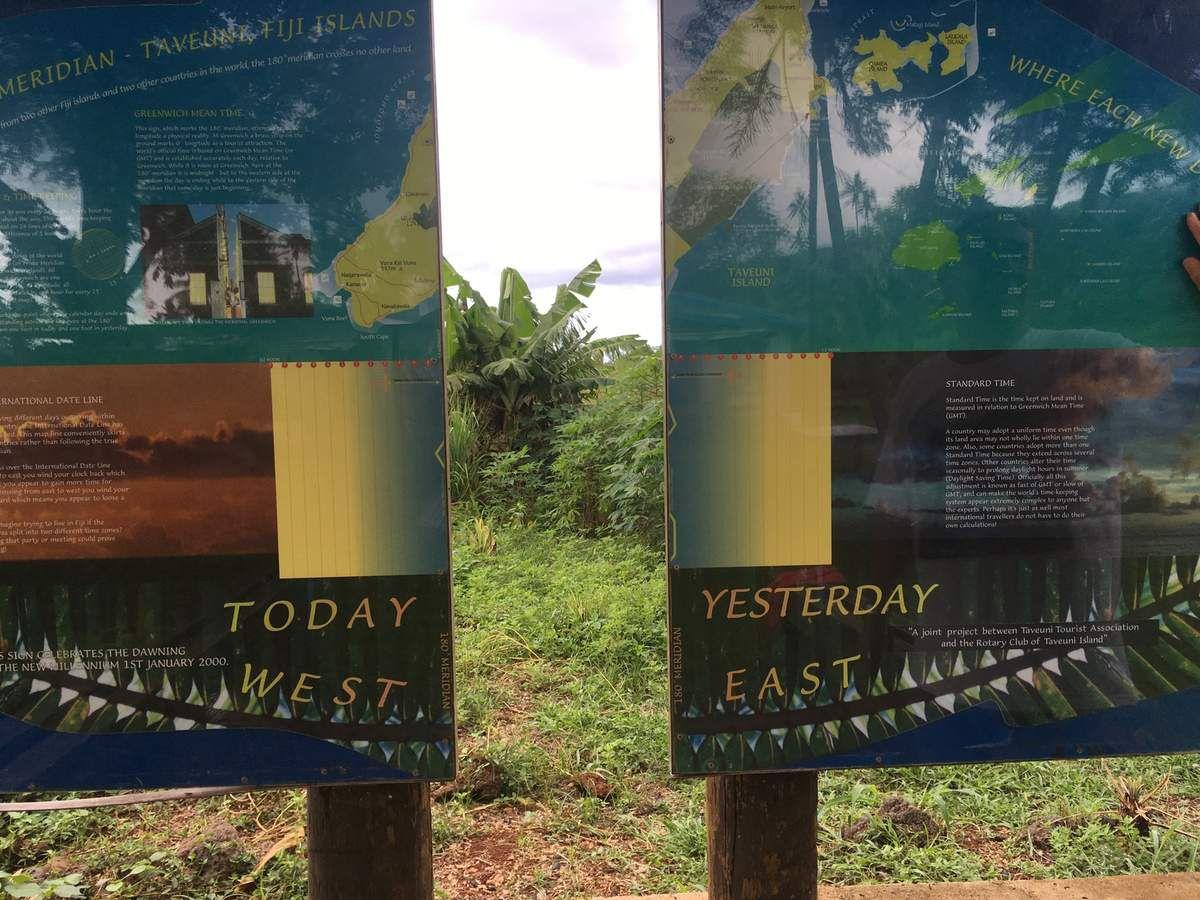 l'anti-méridien 180 °, ligne de changement de date qui passe à Taveuni.