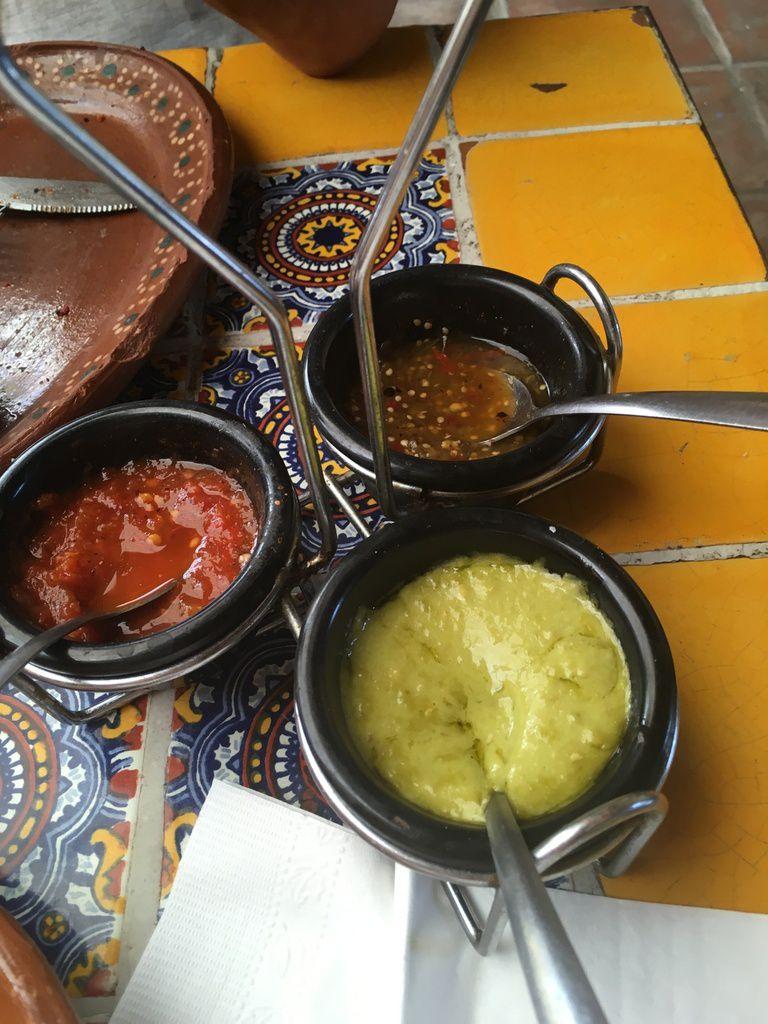 A COLIMA, au Mexique, on passe beaucoup de temps à table !  Il fait trop chaud pour se promener !