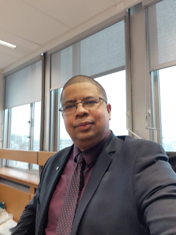 """M. Darchari MIKIDACHE, président  de l'ONG  USHABABi WA MESO INTERNATIONAL ( Jeunesse & Avenir) et président  du think  tank """" Cercle des Économistes  et  des  Experts  Comoriens (CEEC)"""