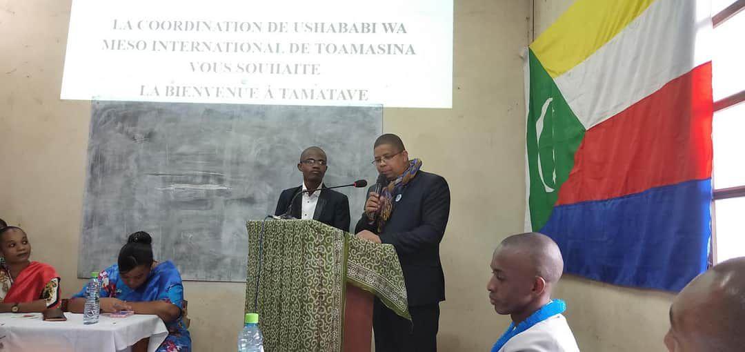 Darchari MIKIDACHE, président de l'ONG USHABABI WA MESO INTERNATIONAL lors d'une réunion publique à Tamatave Madagascar.