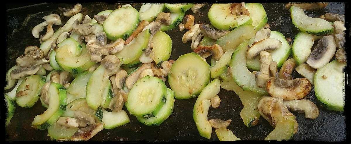 Courgettes aux champignons à la plancha