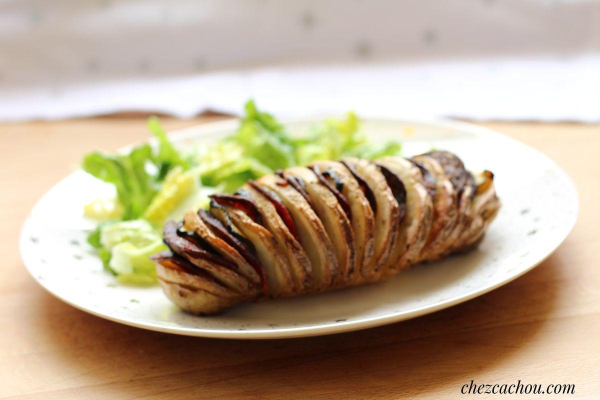 Pommes de terre Hasselback aux courgettes et bacon