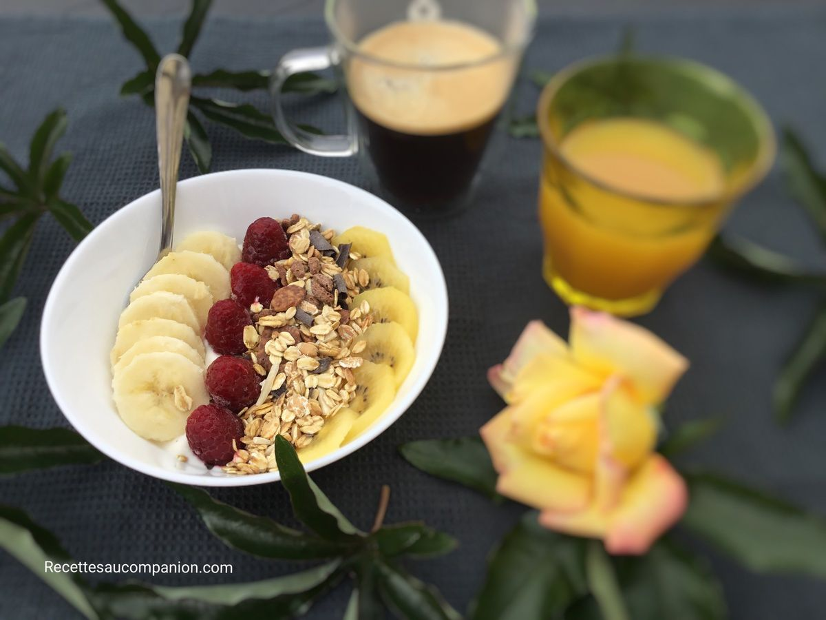 Breakfast Bowl de fruits et muesli