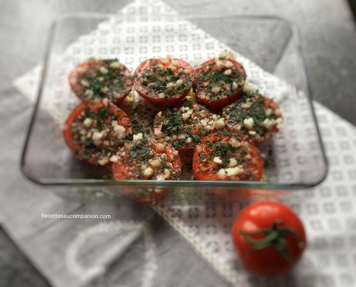 Tomates provençales rôties au four à l'ail