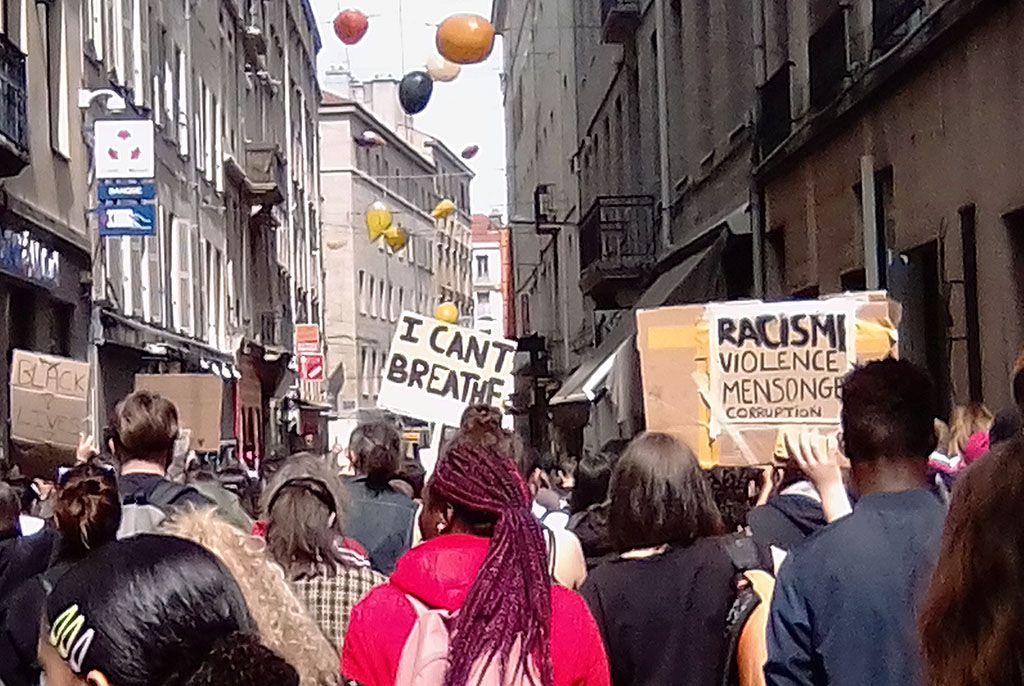 CONTRE LE RACISME ET LA RÉPRESSION