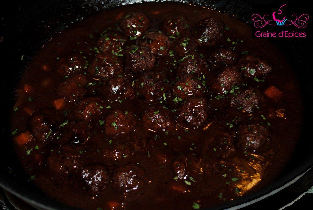 Canadian Meatball Stew (Ragoût de Boulettes à la Canadienne)