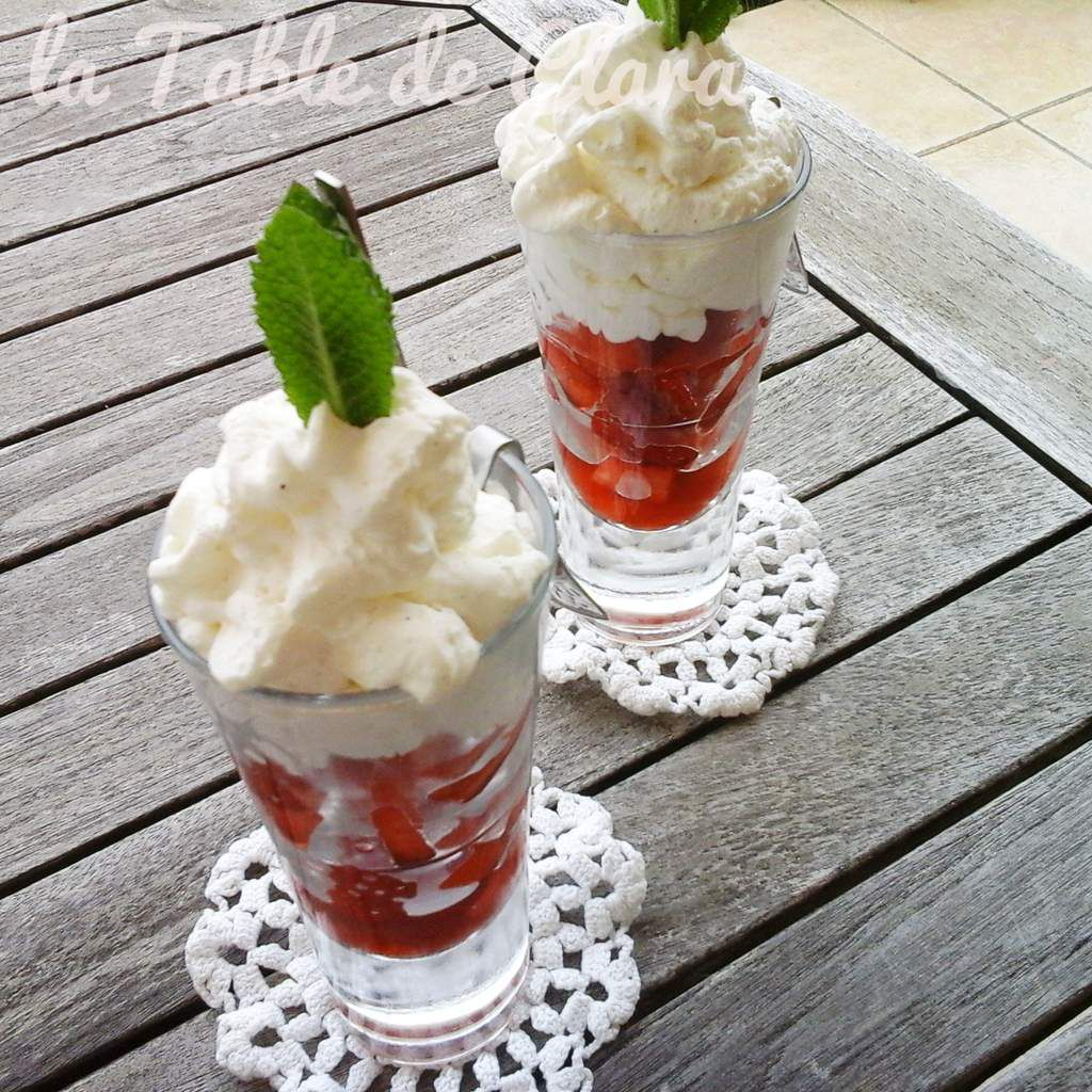 Coupe fraises chantilly