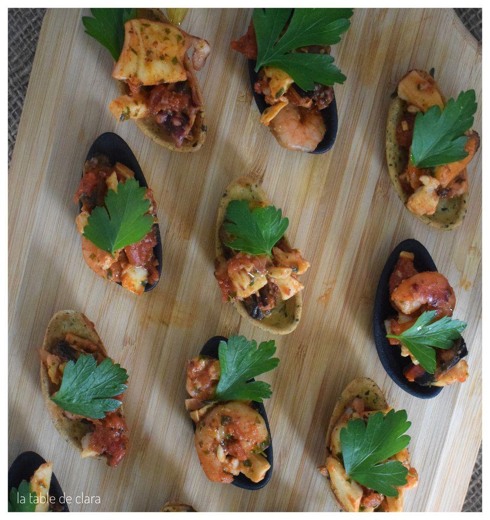 Salade de fruits de mer tièdes en coquille