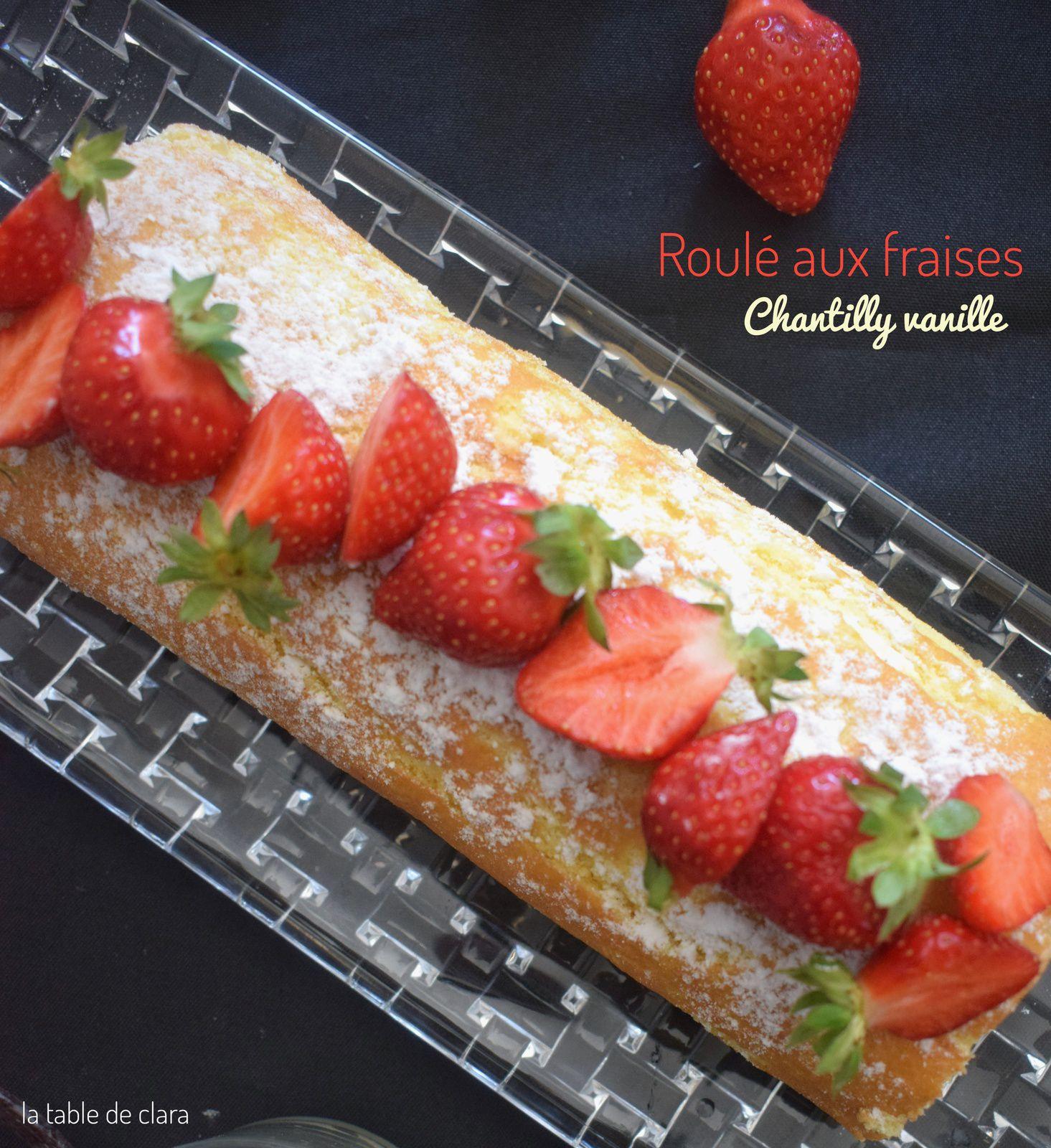 Roulé aux fraises et chantilly vanille