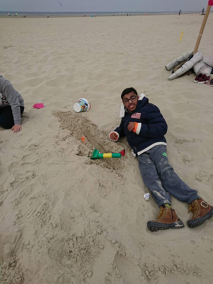 Direction Berck-sur-mer, les 10-17 ans sont bien arrivés... , après-midi: kohlanta sur la plage