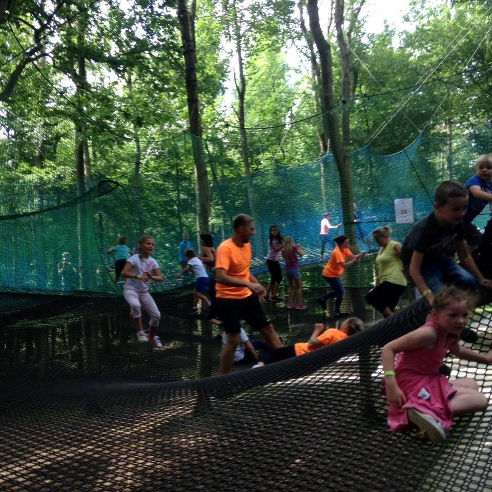 jeux de plein-air et parcours de filet