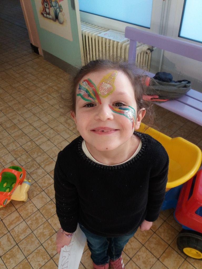 Chacun son rythme ce matin entre maquillage perle lecture dessin et baby-foot la journée commence pour le plaisir de tous