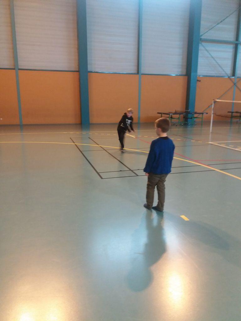 Sports de raquettes et danse pour les autres copains