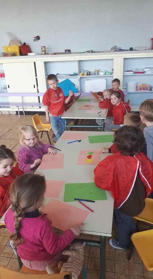 Activité Manuelle pour les petits - ARBRES MAINS