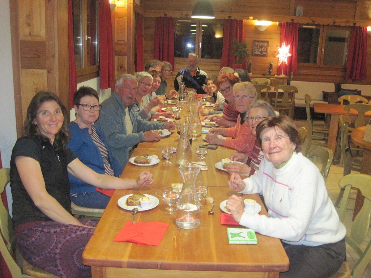 Repas du soir à l'Echaillon. (Photo MR)