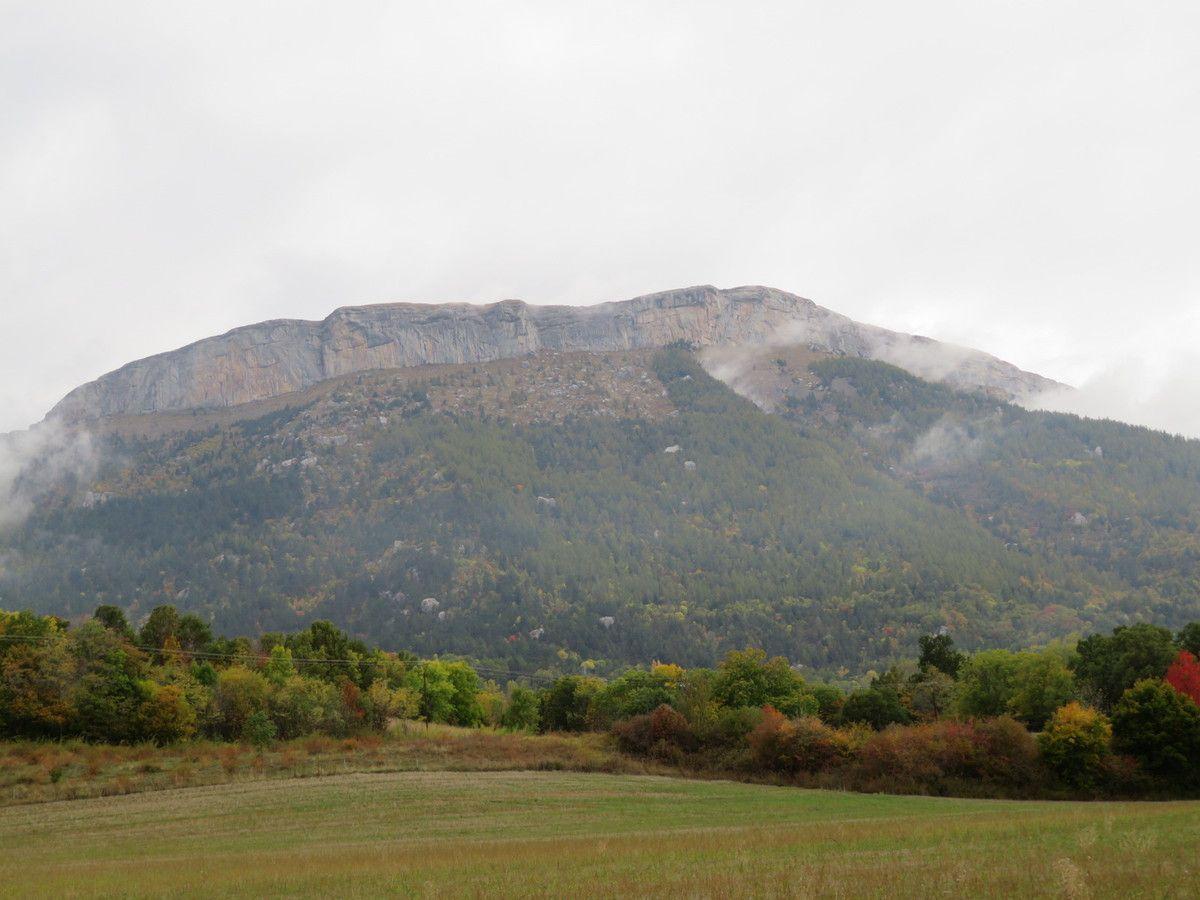 La montagne de Céüze veille sur nous. (Photo MF)
