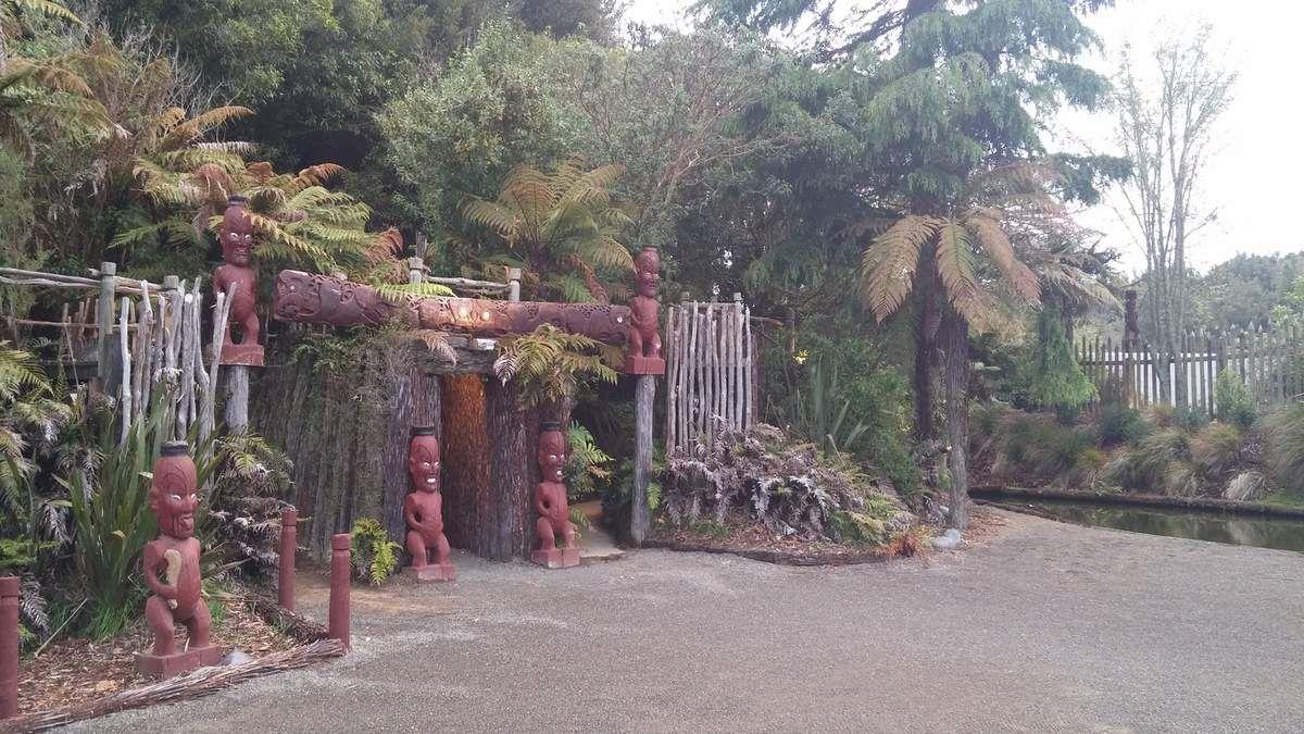 Wai-O-Tapu et Tamaki Village
