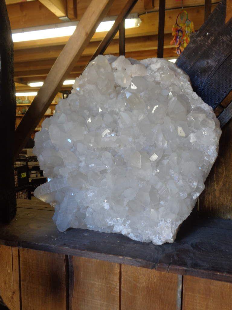 J'emmes les minéraux. Bizanet. Site touristique. Musée.