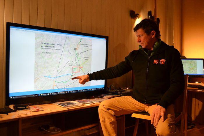 Michel Oger, ingénieur électricien, a recalculé tout le projet pour prouver qu'une alternative est possible.
