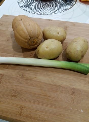 Soupe de Butternut aux croustillants de camembert