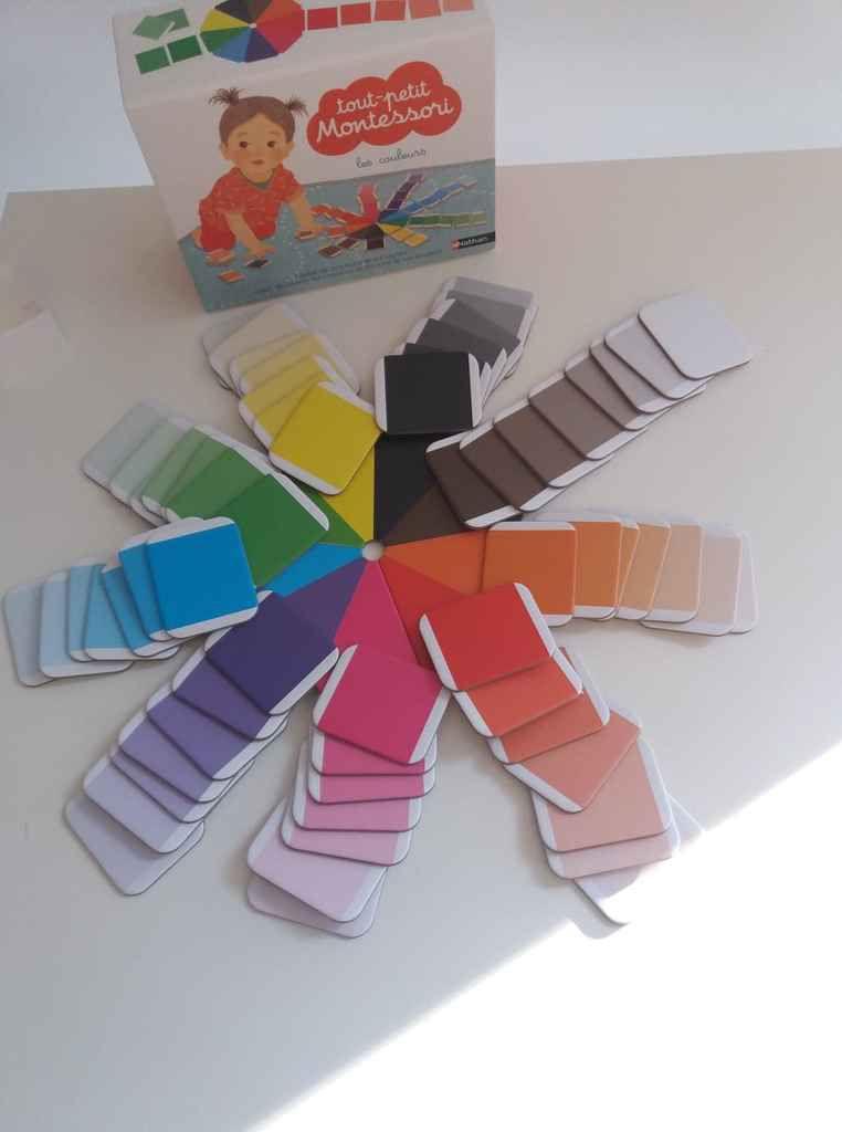 apprendre les couleurs avec montessori