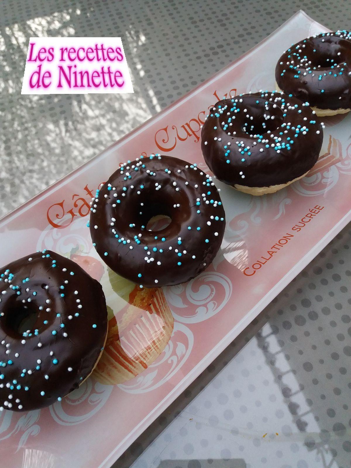Donuts allégés glacés au chocolat