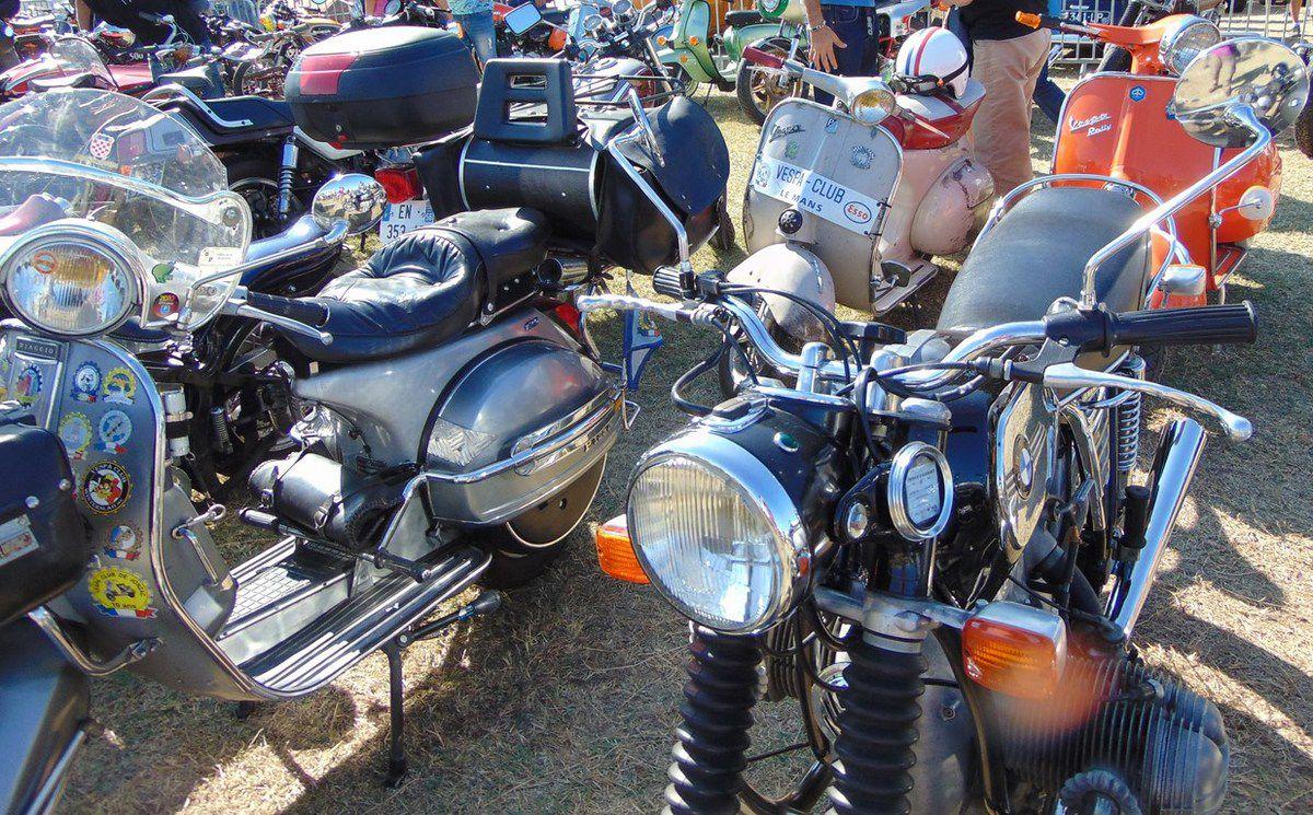 Bourse CLAMS 2018  Véhicules anciens motos rétros Fouras (17)